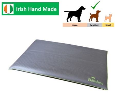 Waterproof Crate Mat Char/Lime M/L Image