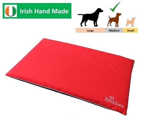 Waterproof Crate Mat Red/Grey M/L Image