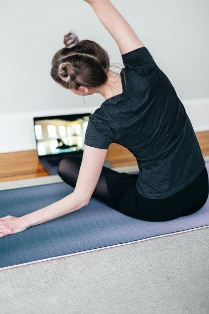 60 min Online 1 -1 Yoga Session Image