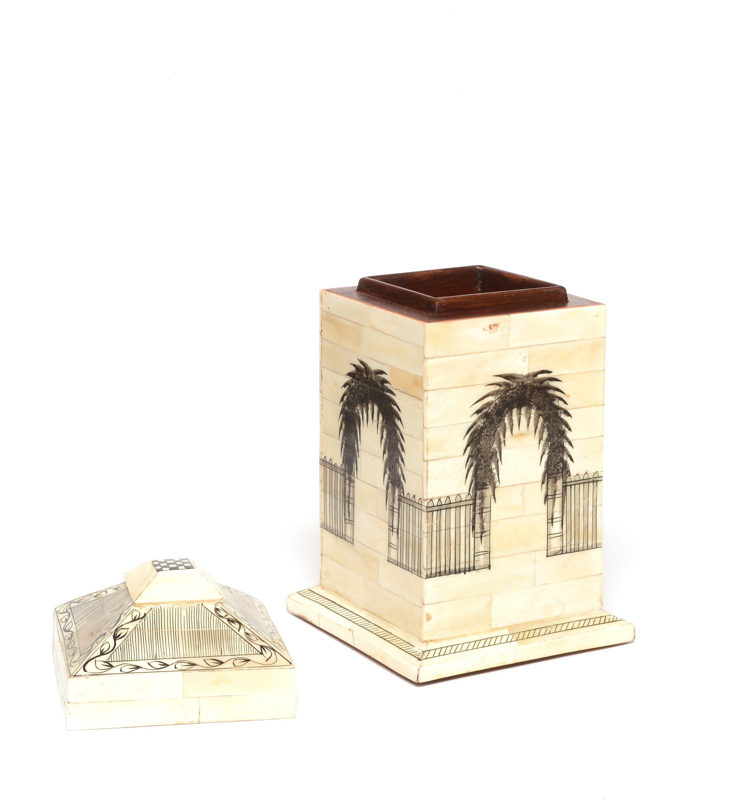 "Wooden Box Large  ""Alahambra"" 23"" with lid Image"