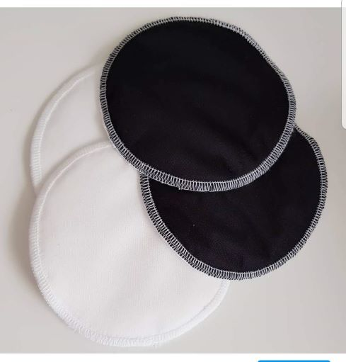 Black & White reusable breast pads Image