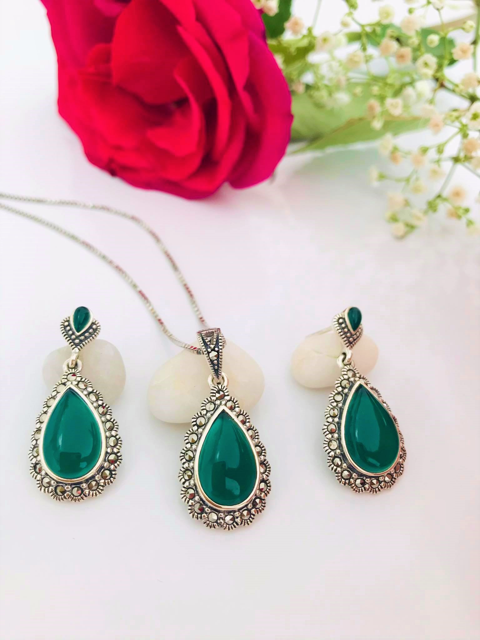 Lovely Teardrop Green Onyx and Marcasite Sterling Silver SET Image