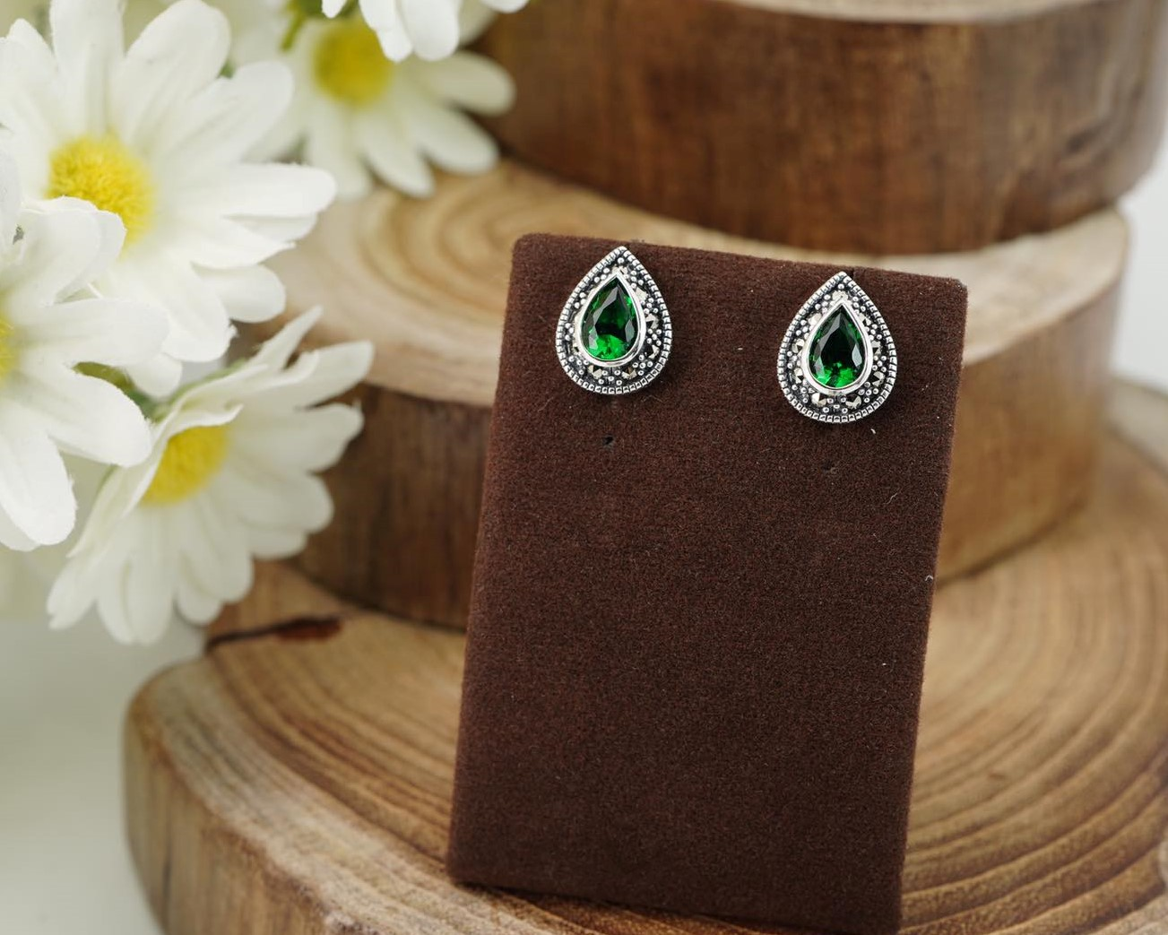 Elegant Teardrop Set with Brilliant cut Emerald and Sparkling Marcasite Stud Earrings Image