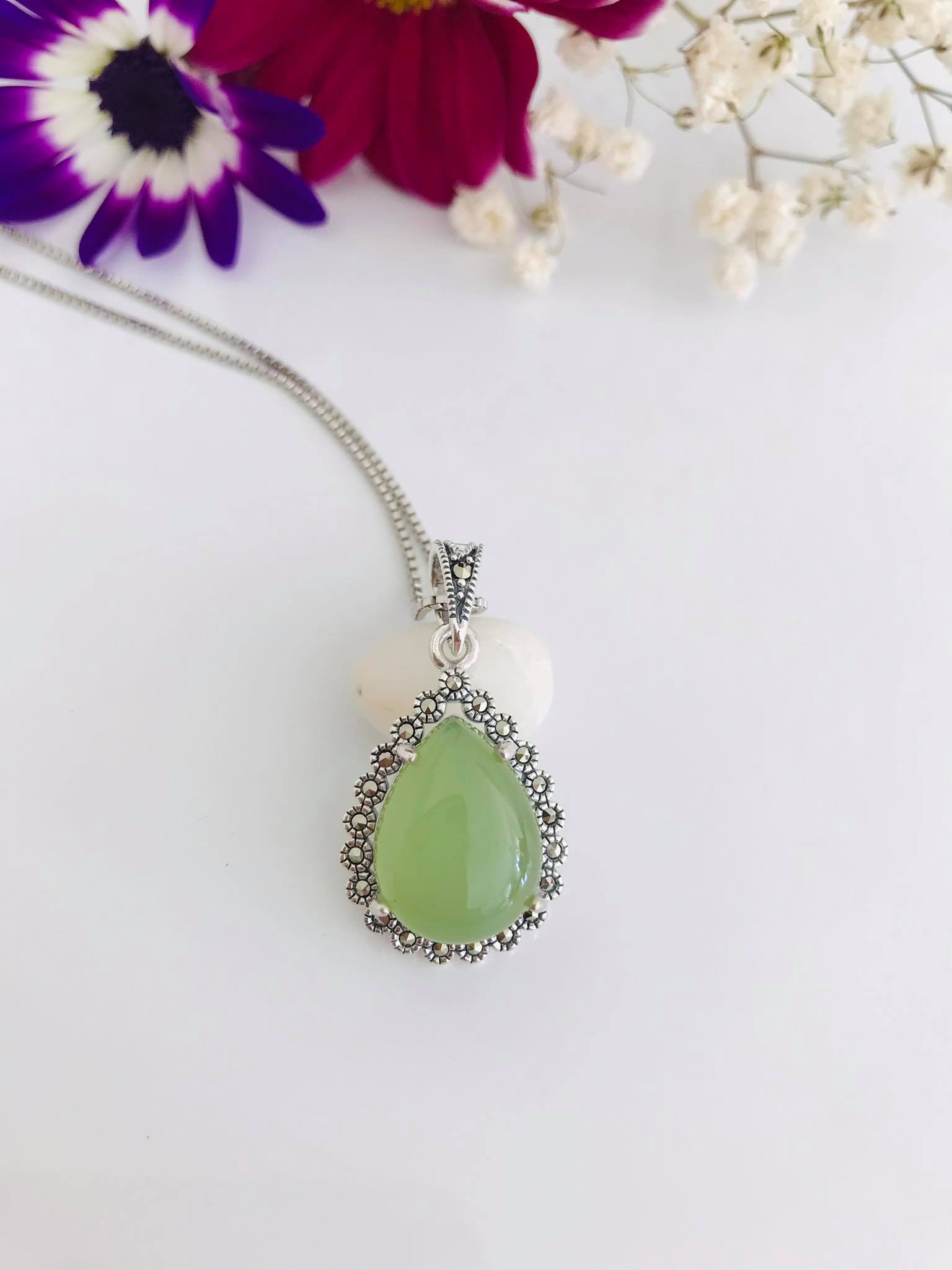 Green Peruvian Chalcedony & Marcasite Silver Necklace Image