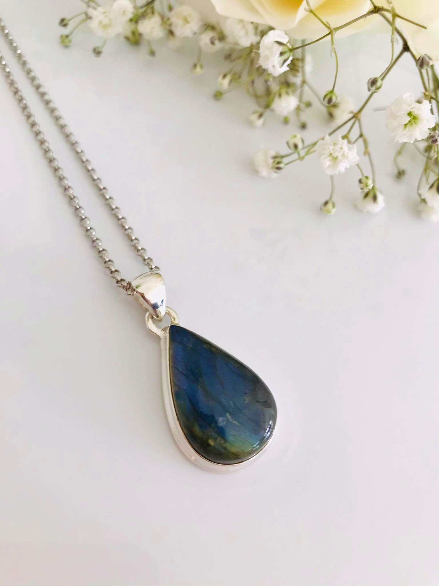 Beautiful Pear drop High Polished Natural Labradorite Sterling Silver Necklace Image