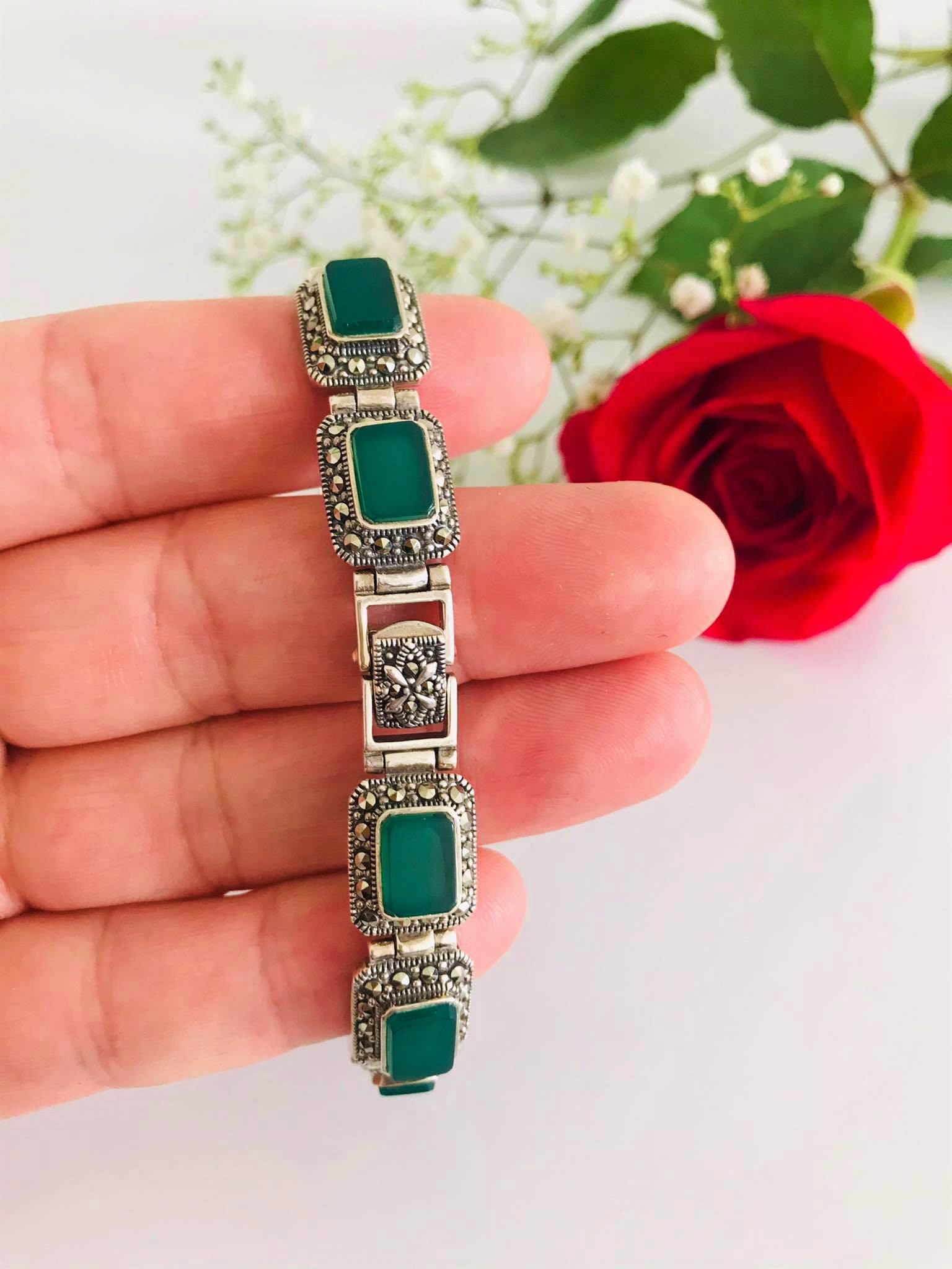 Stunning High Polished Natural Green Onyx Surrounded by Sparking Marcasite Sterling Silver Bracelet Image