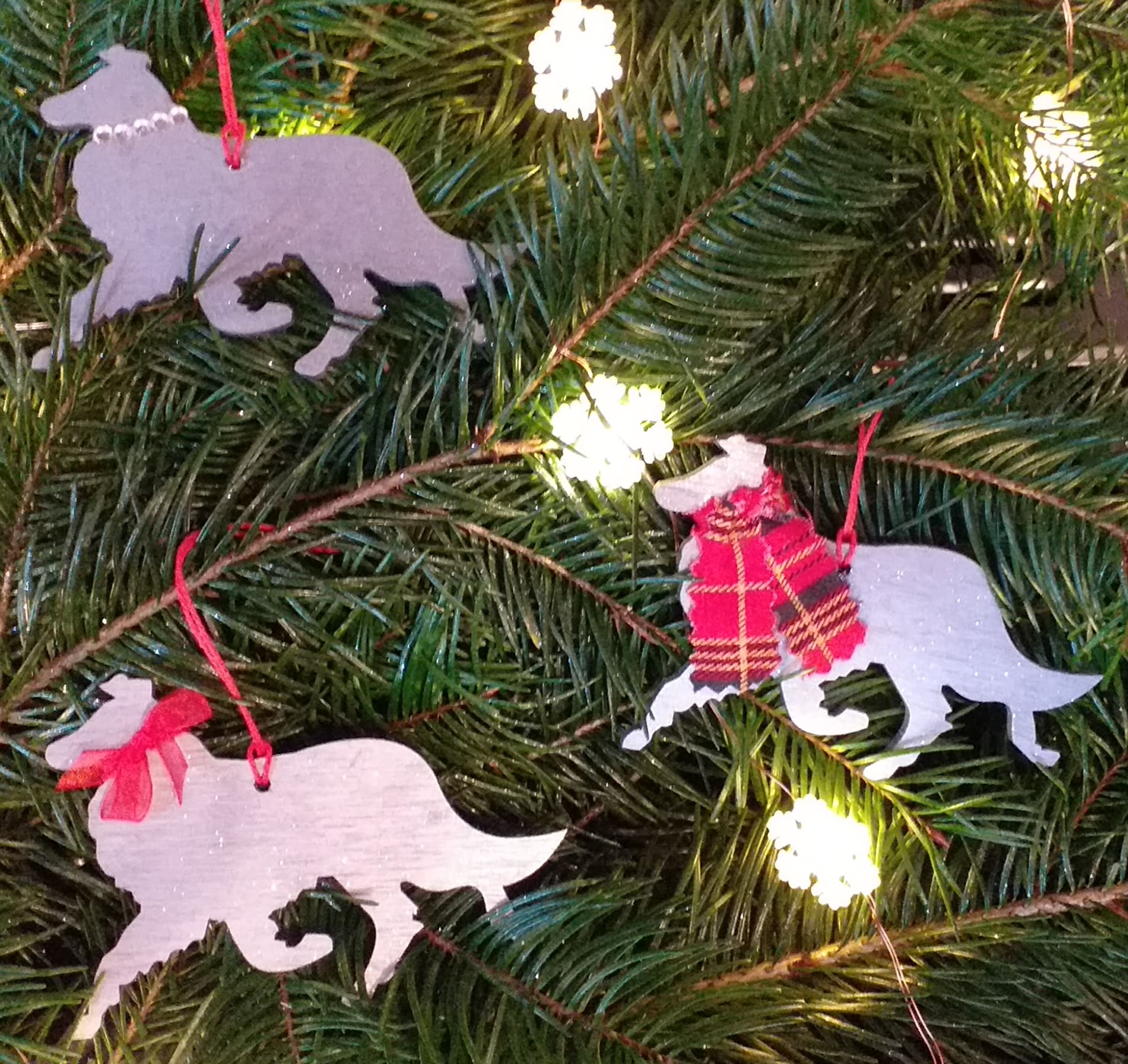 Wooden Dog Ornaments Image