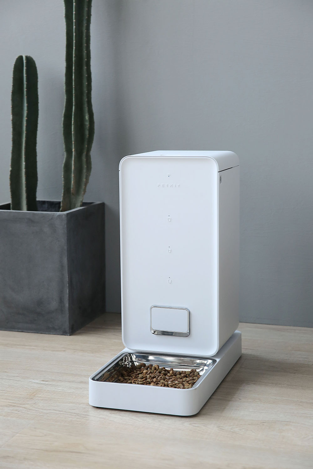 Fresh Auto Feeder - White Image