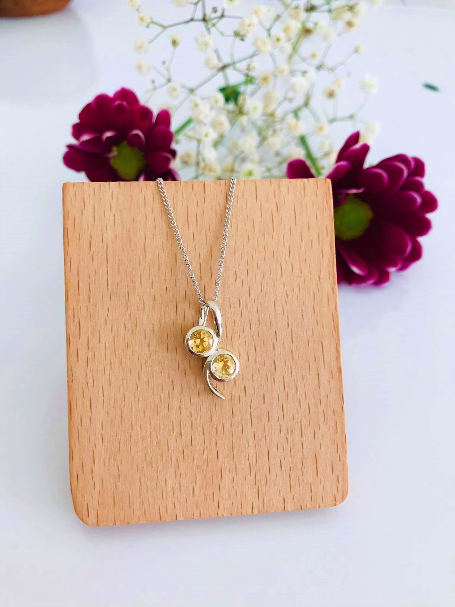 Citrine set in Silver Necklace Image