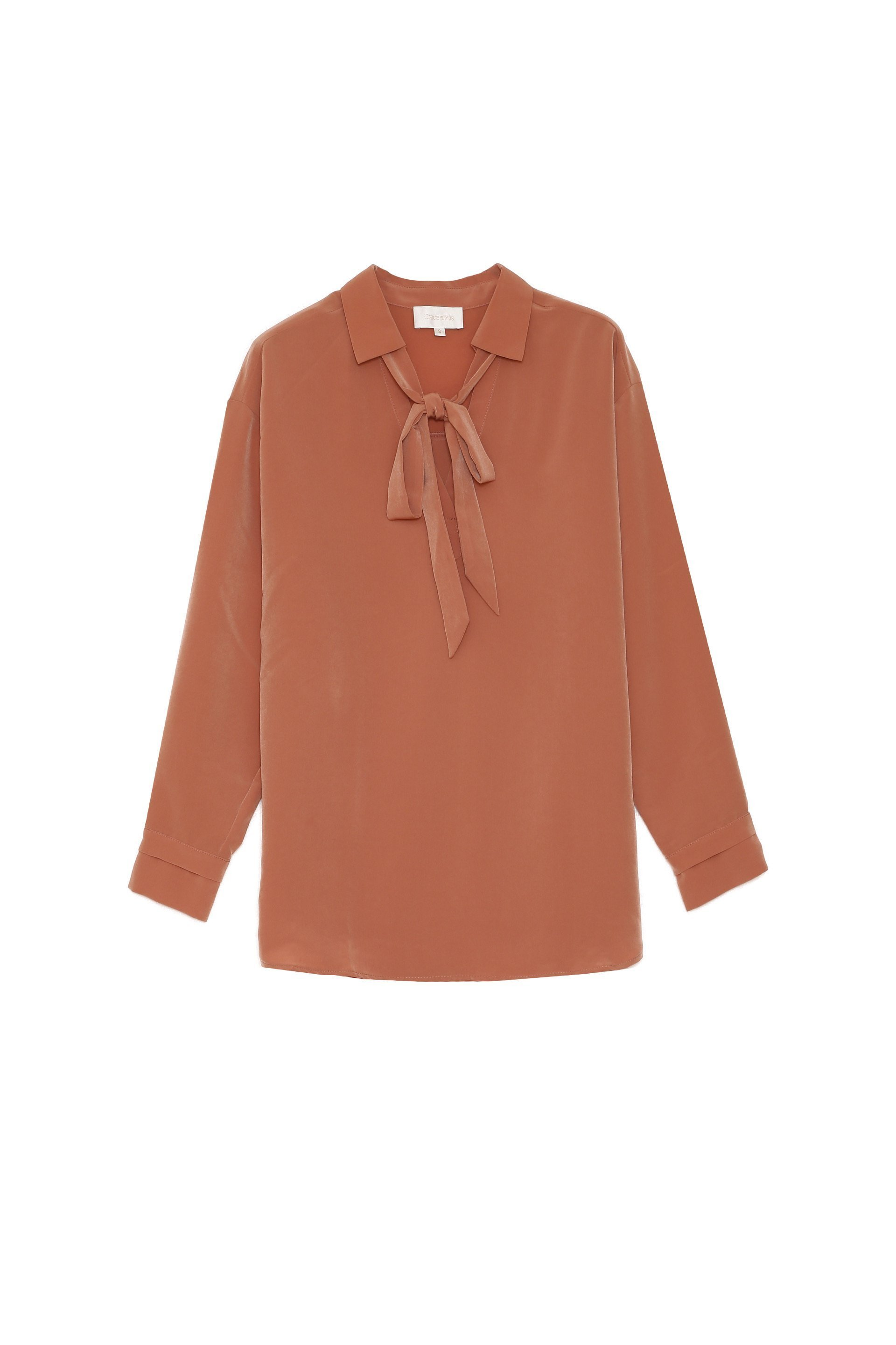 GRACE & MILA LONG-SLEEVED ROSE BLOUSE WITH A LAVALIERE COLLAR Image