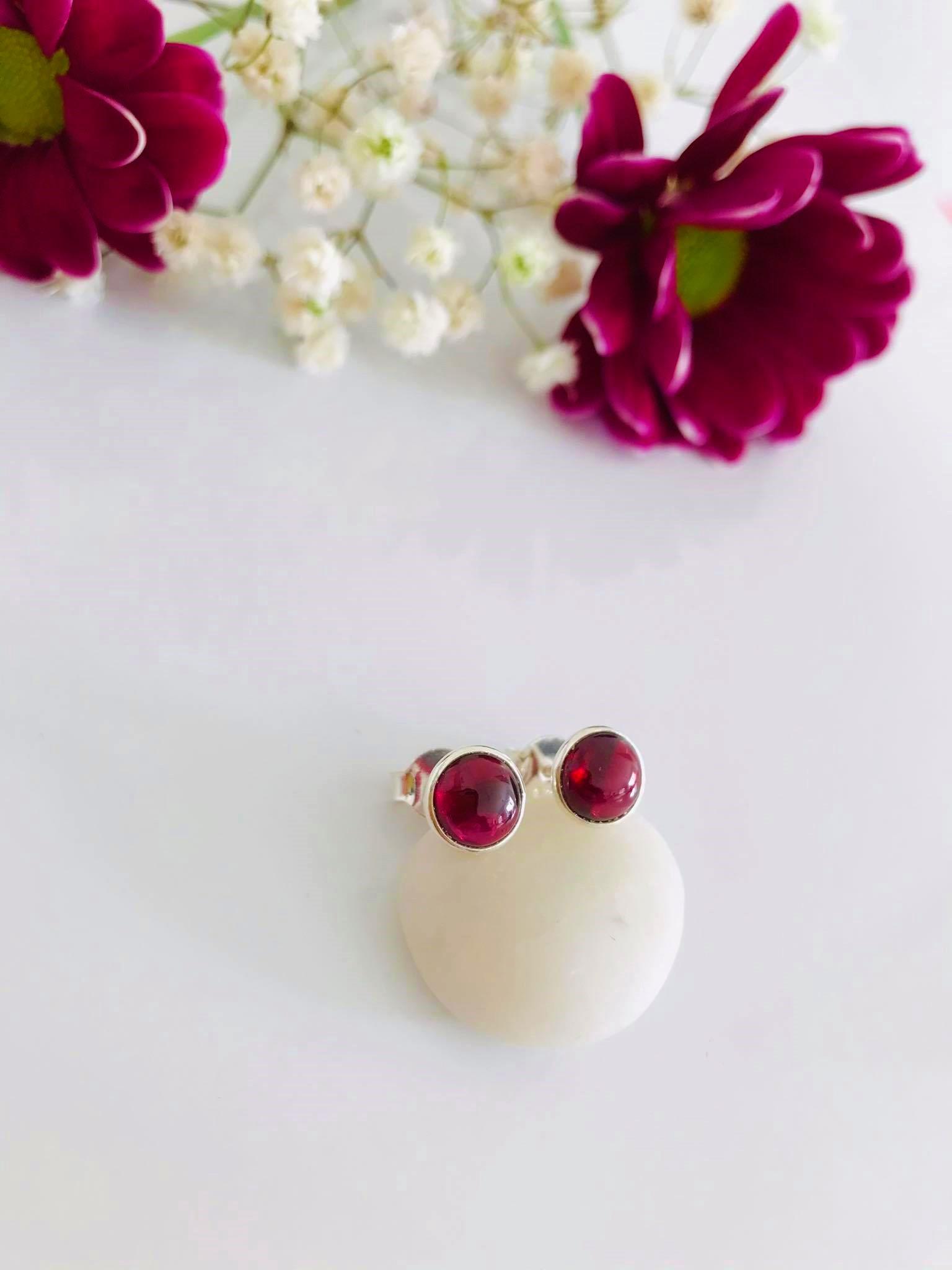 Garnet set in Silver Earrings Image