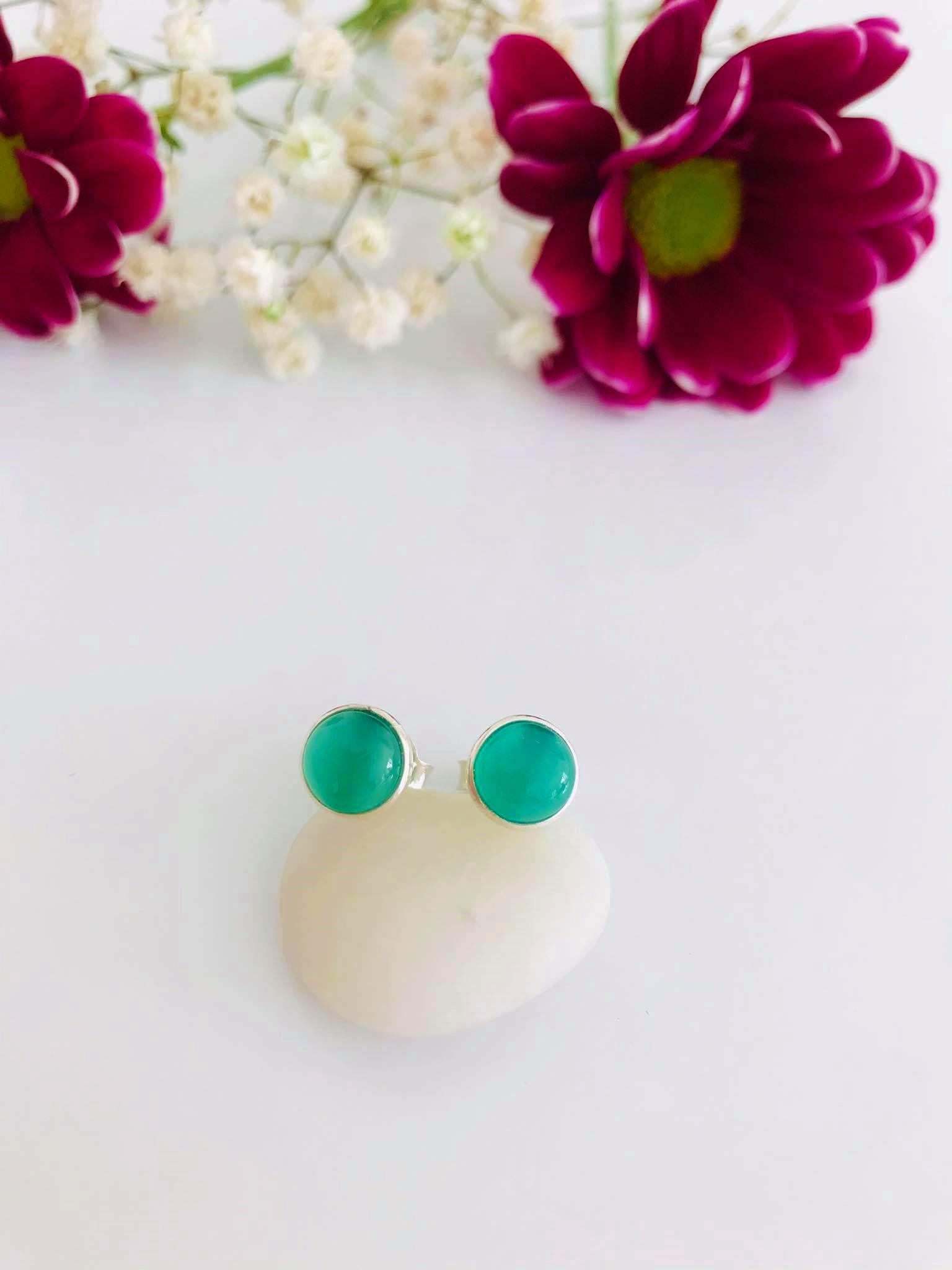 Green Chalcedony set in Silver Earrings Image