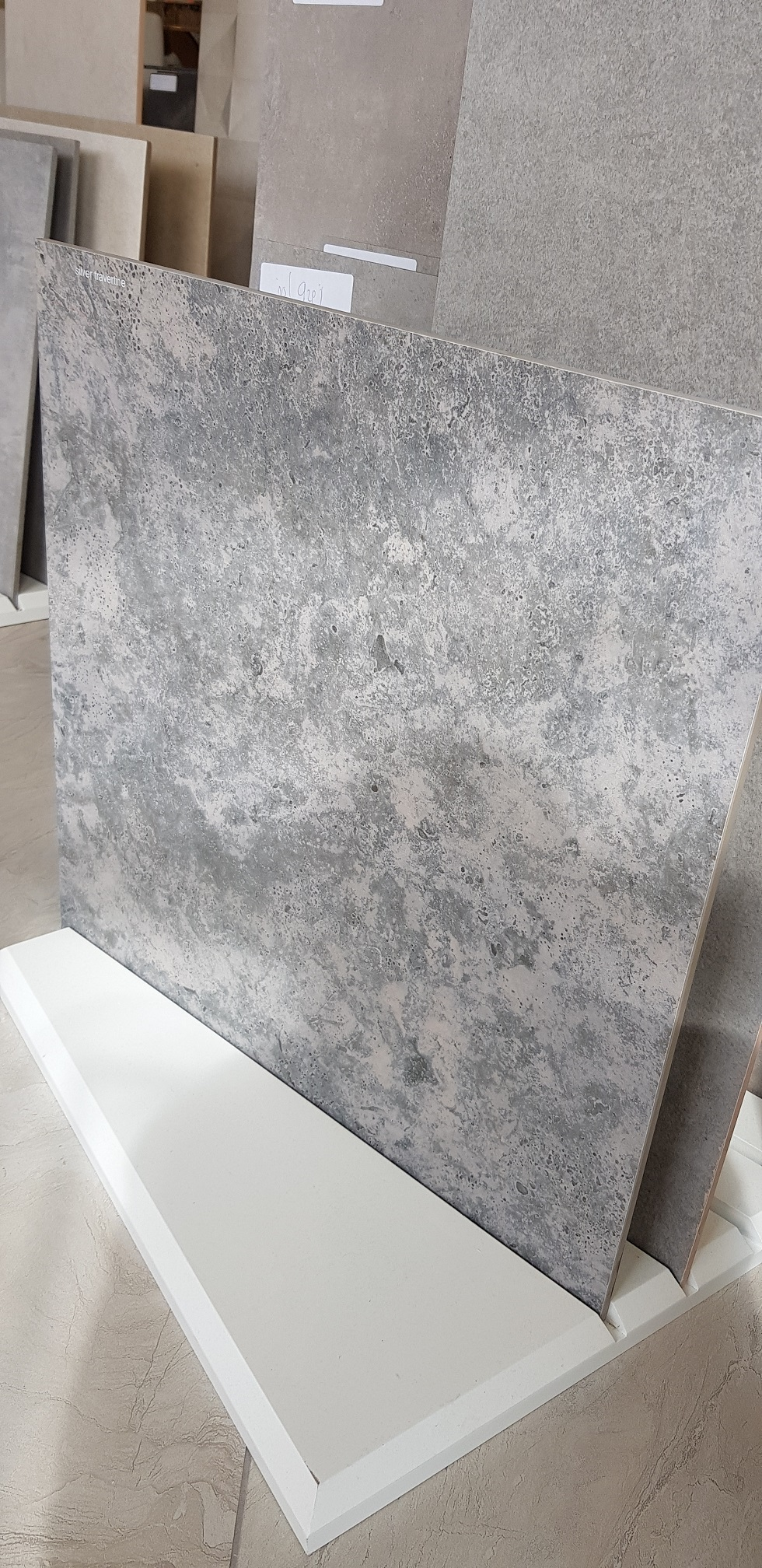 Silver Travertine 60 x 60 Image