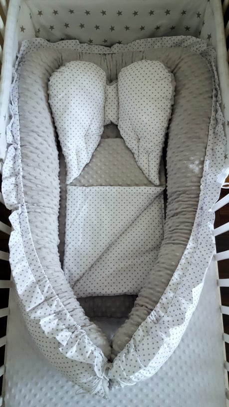 Sweet Angel Nest- grey dots Image